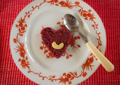 11. BUJERA HEART FOOD PLATE