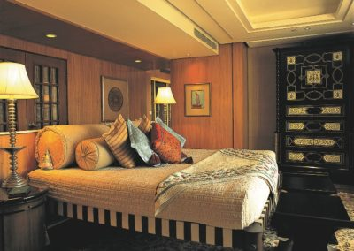 4. Bed Room - Kohinoor Suite - The Oberoi Amarvilas, Agra